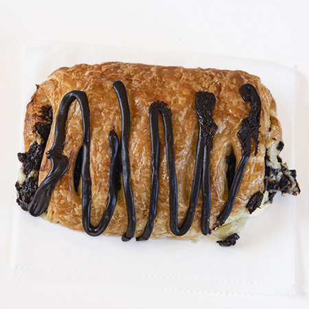 chocolate chip croissant